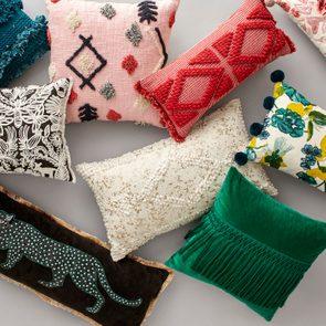 pillows tight crop