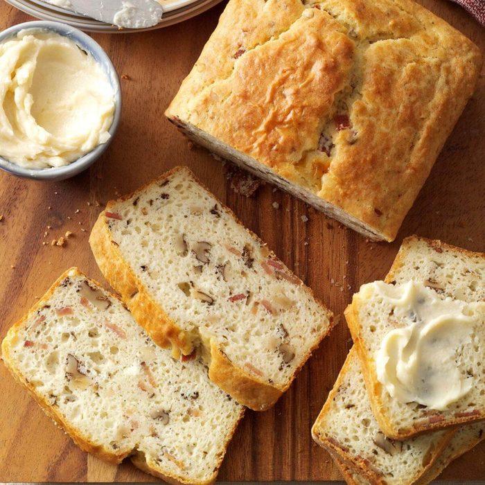 bacon walnut bread