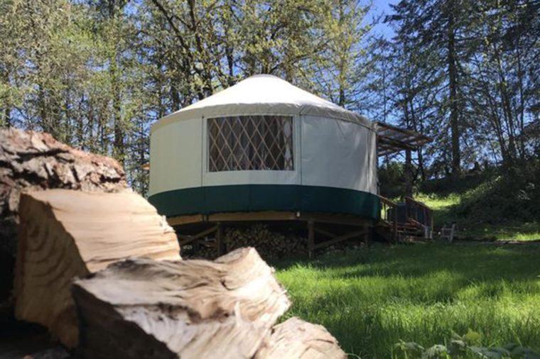 Oregon's-luxury-hipster-yurt-