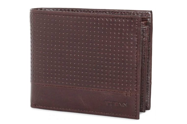 05_Titan-Radar-Bluetooth-Enabled-Leather-Wallet