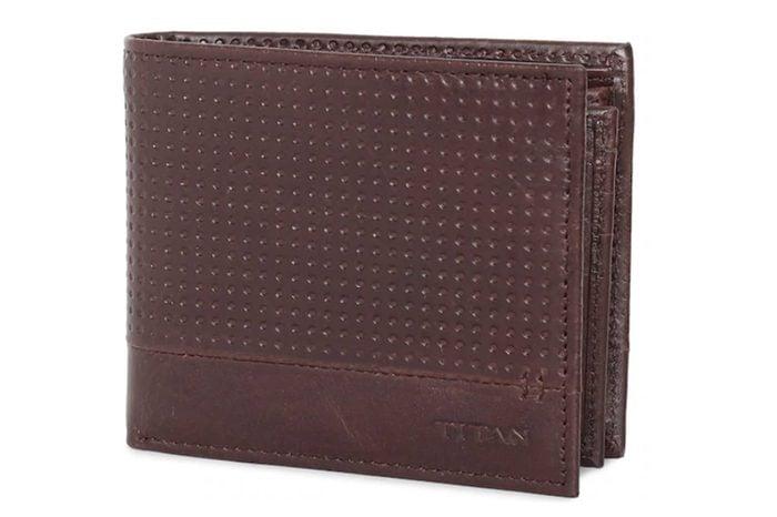 05_Titan-Radar-Bluetooth-Enabled-Leather-Wallet