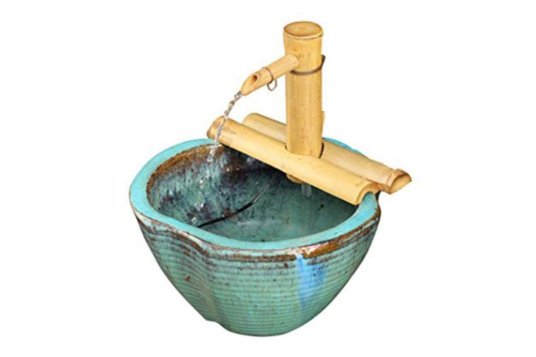 06_Get-an-outdoor-fountain-for-your-cat