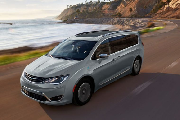chrylswer pacifica hyprid minivan