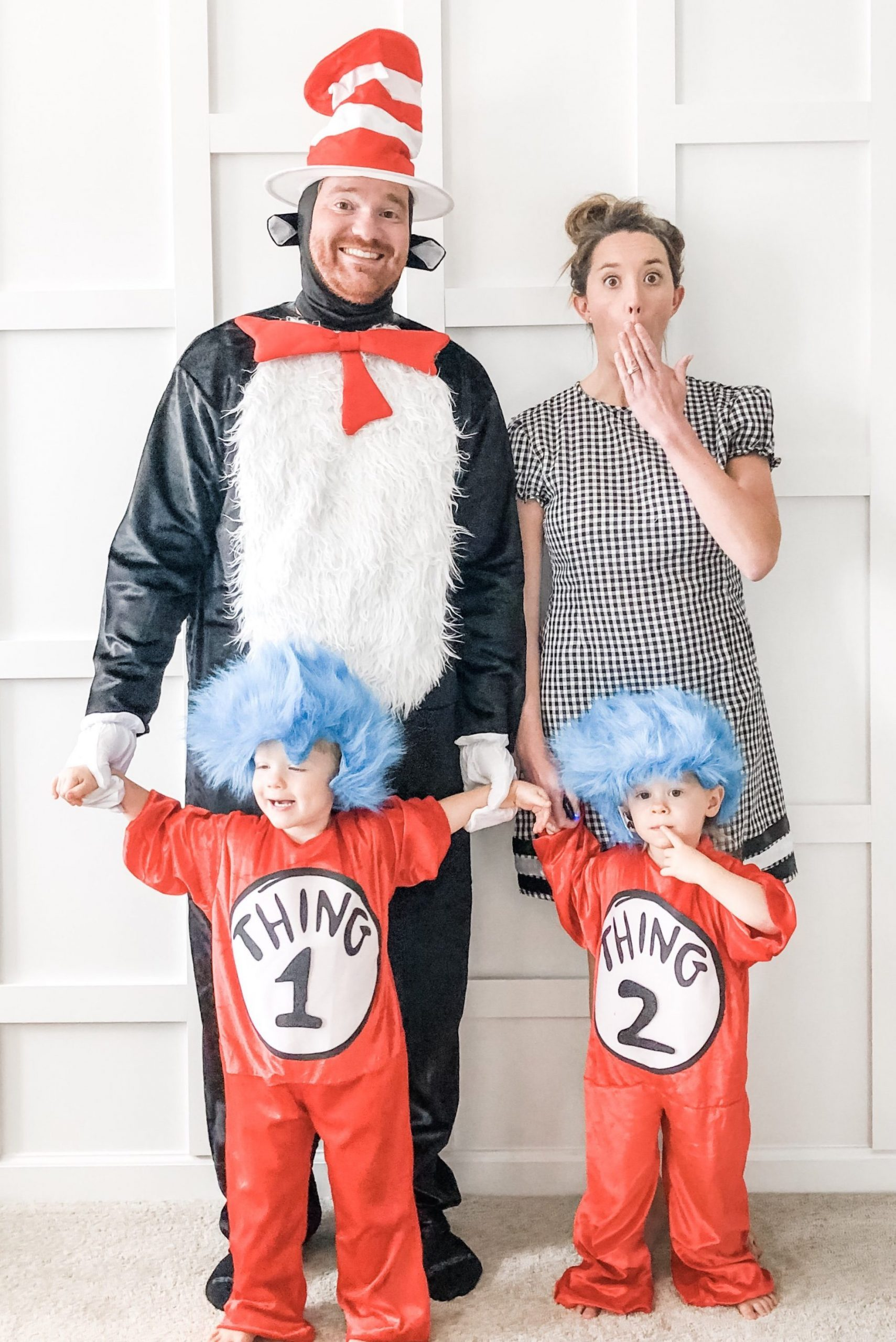 family halloween costume idea cat in the hat