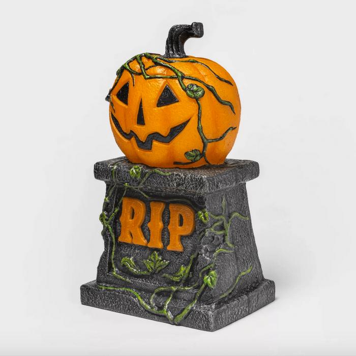 Light-up pumpkin tombstone