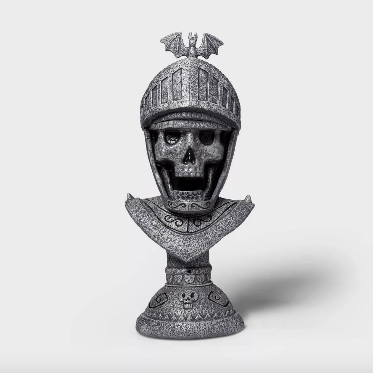 Spooky skeleton knight bust