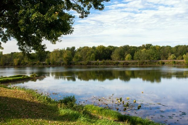 View across the Mississippi River from the Great River Road in Wisconsin to Minnesota