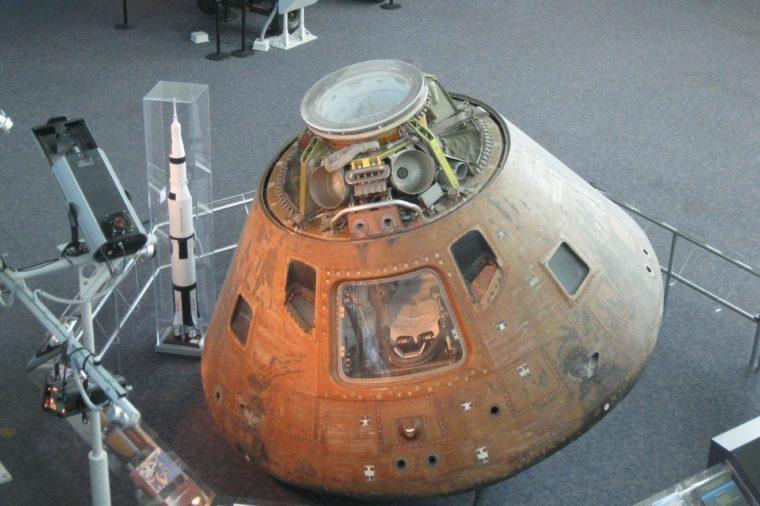 apollo-12-capsule