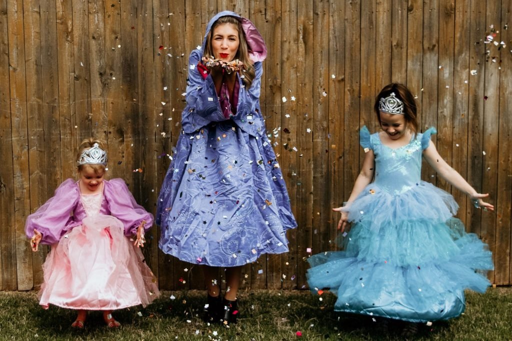 family halloween costume ideas fairy tales