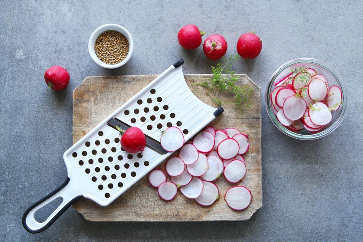 Preparing pickled radishes.
