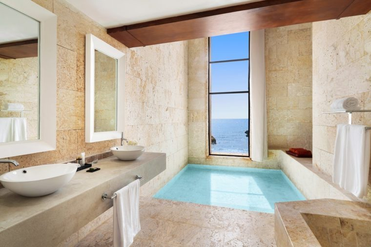 All-inclusive Caribbean beach luxury
