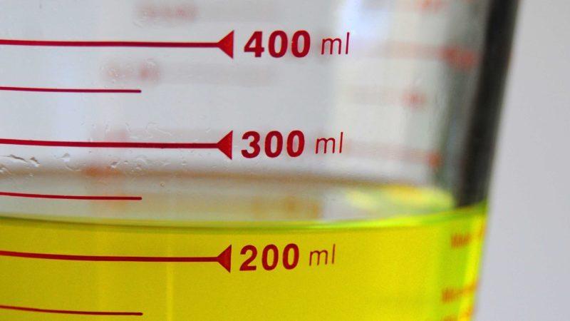 Scientific measuring cup or beaker