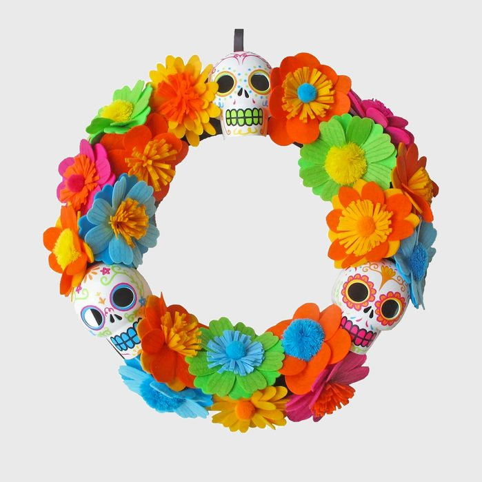 Día de los Muertos skull and flowers wreath