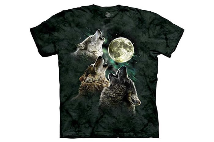 tshirt with wolves howling at the moon