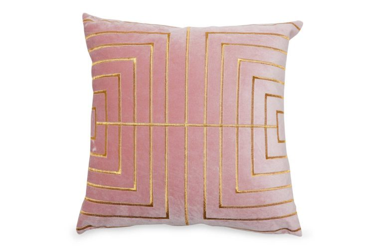 05_MoDRN-glam-metallic-stitched-throw-pillow