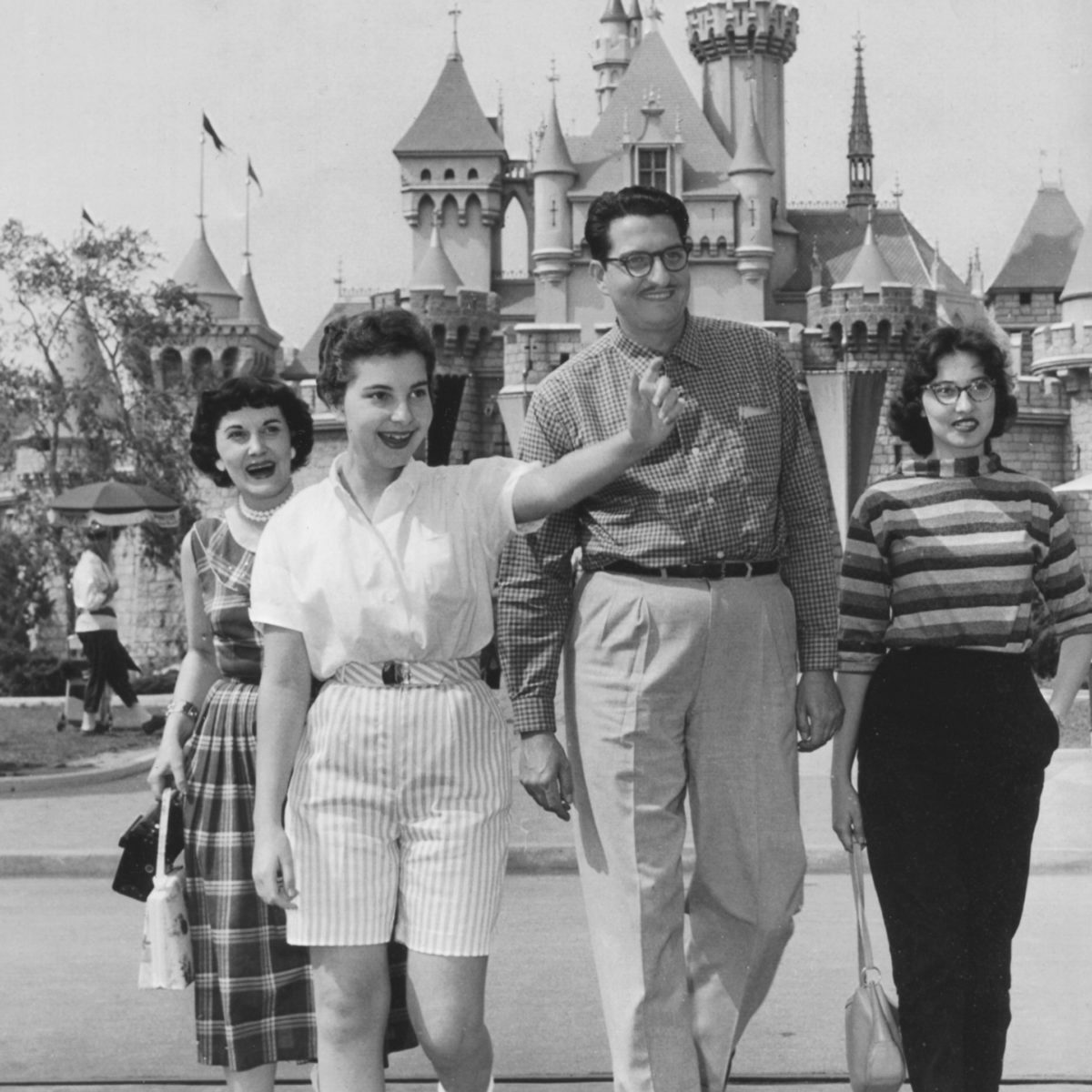 The 8 Oldest Amusement Parks in the World