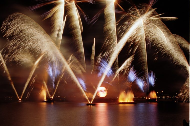 epcot holiday fireworks
