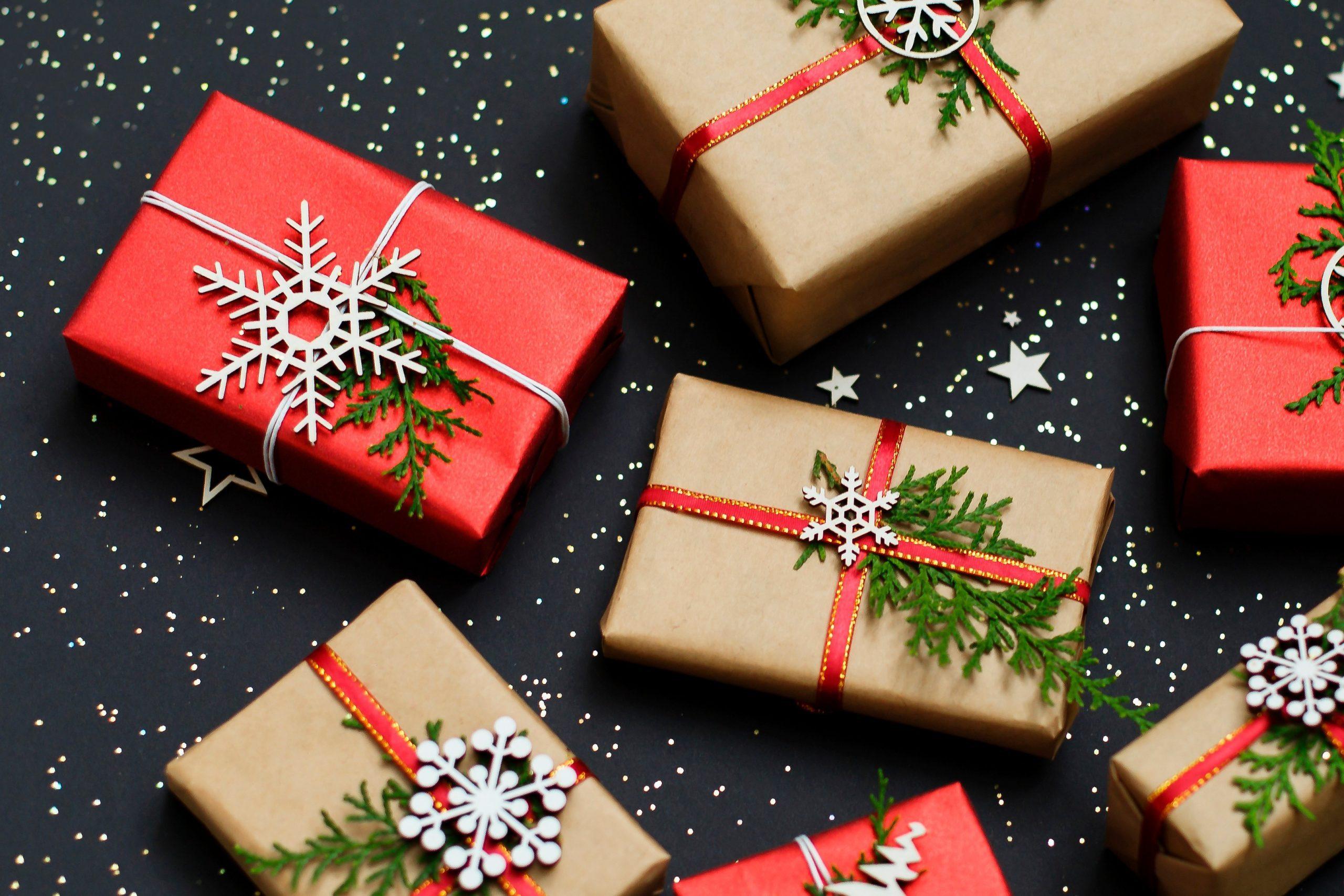 Office Secret Santa Gift Ideas Funny from www.rd.com