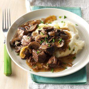 North Dakota: Slow Cooker Beef Tips