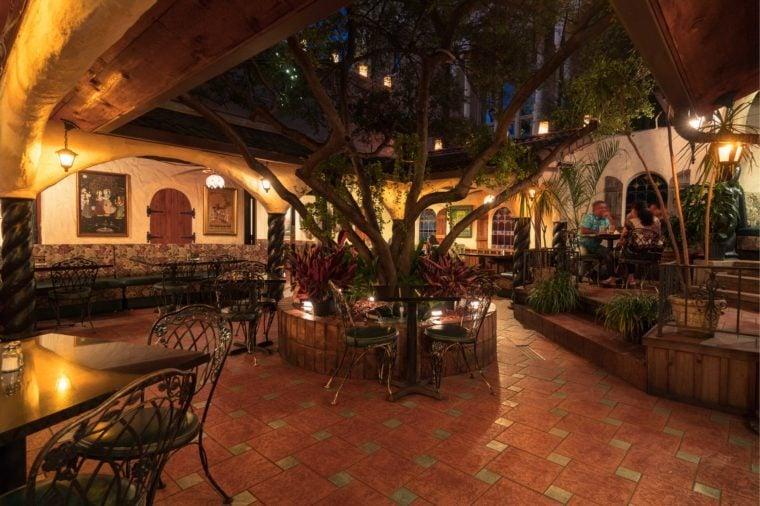 Hari's-courtyard