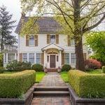 13 Ways Your Yard Is Giving Burglars Clues