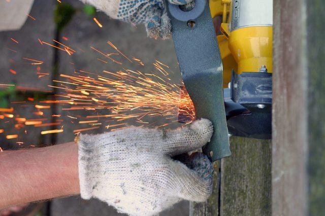 blade sparkle (lawn blade sharpening)