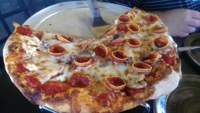 Michigan: Licari's Sicilian Pizza Kitchen