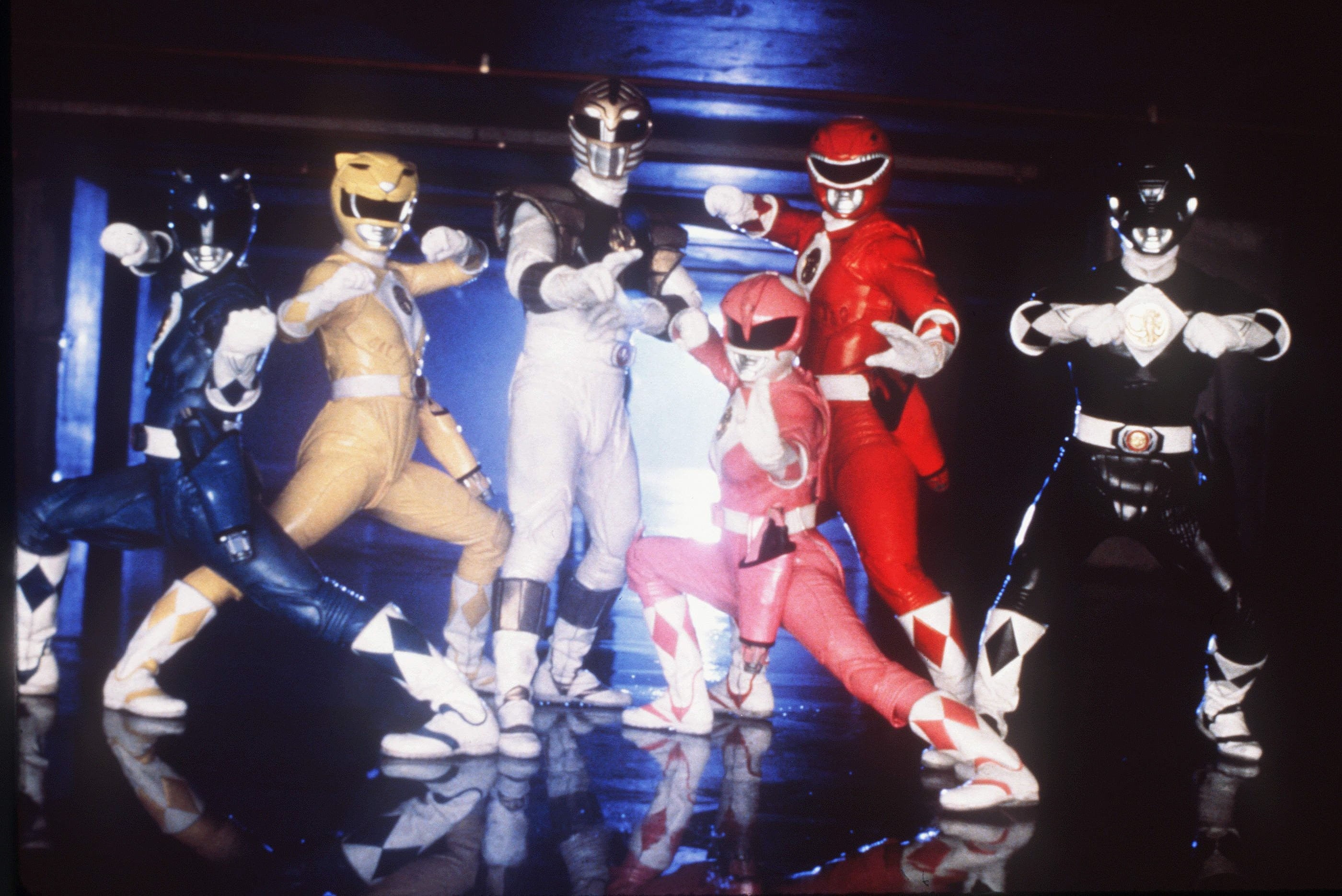 Editorial use only. No book cover usage. Mandatory Credit: Photo by Mark Vignes/Saban/Toei/Kobal/Shutterstock (5872710a) Mighty Morphin Power Rangers The Movie (1995) Mighty Morphin Power Rangers The Movie - 1995 Director: Bryan Spicer Saban/Toei USA Film Portrait Family
