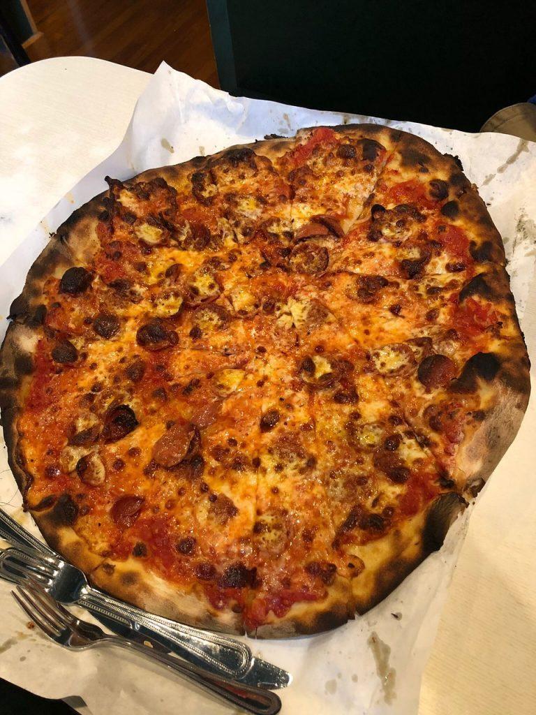 Connecticut: Frank Pepe Pizzeria Napoletana