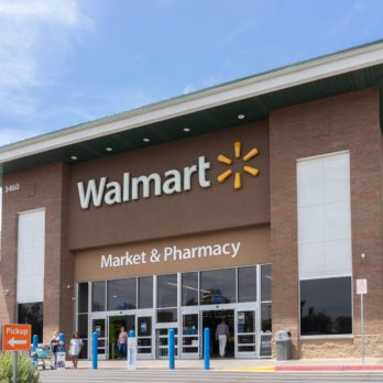 10 Things Polite People Don't Do at Walmart