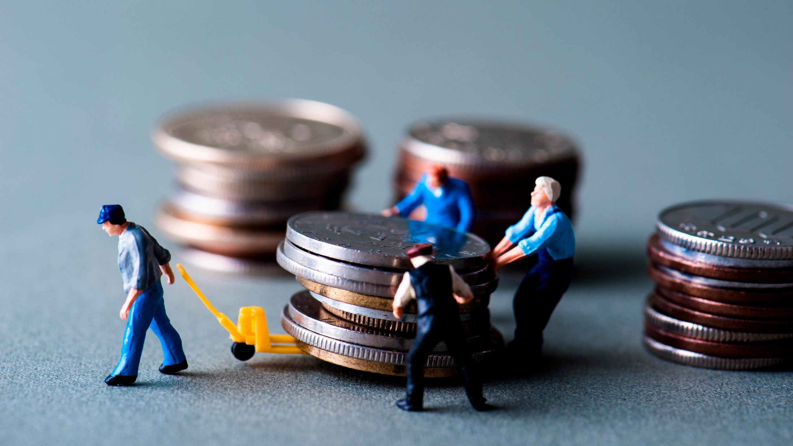 miniatures people coins bankrupt bankrupcy