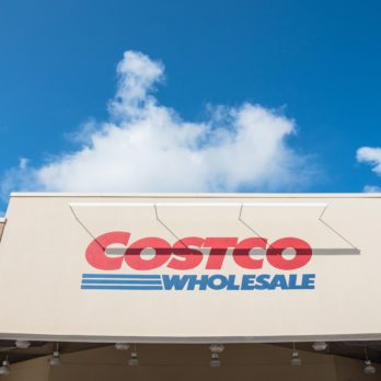10 Things Polite People Don't Do at Costco