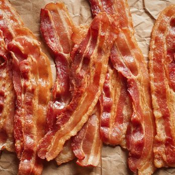 How to Cook Bacon on the Stove, in the Microwave, or in the Oven
