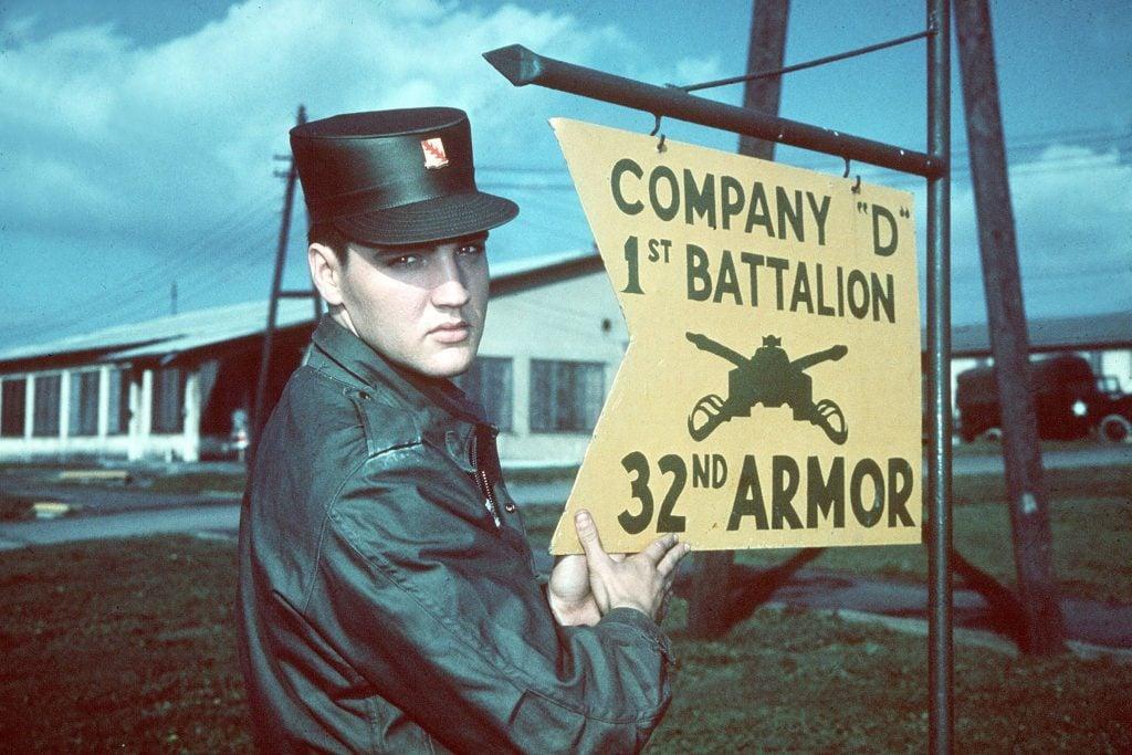 9 Rarely Seen Vintage Photos of Elvis Presley