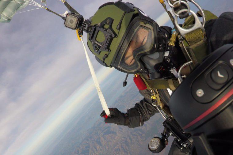 greatest horizontal distance parachute flight world record