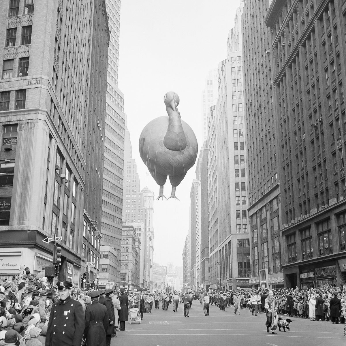 9 Vintage Photos from the Macy's Day Parade