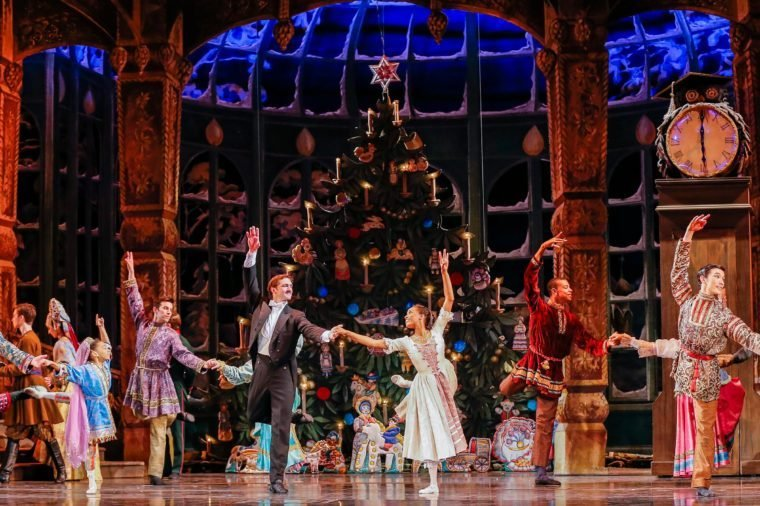 Members of the Cast Perform in the 'Atlanta Ballet's Nutcracker' During a Dress Rehearsal of the Holiday Classic at the Fox Theatre in Atlanta Georgia Usa 09 December 2015 Founded in 1929 the Atlanta Ballet is the Oldest Continually Performing Ballet Company in the Us and Has Been Performing the Nutcracker at the Fox Theatre For Twenty Years the Performance Runs From 11 December Through 27 December United States Atlanta 9 Dec 2015