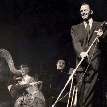 10 Rarely Seen Vintage Photos of Frank Sinatra