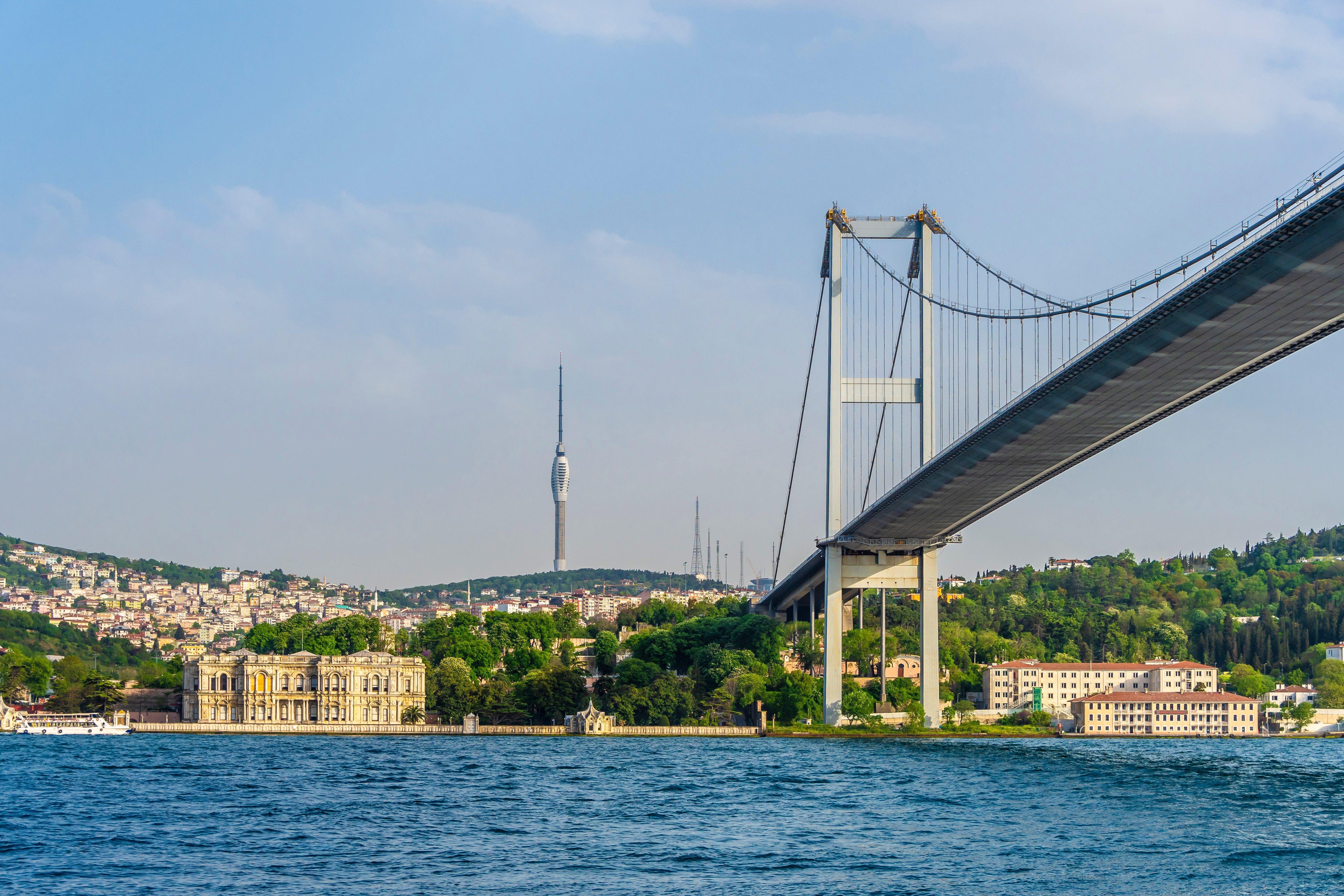 Beylerbeyi Palace under 15 July Martyrs Bridge in Istanbul
