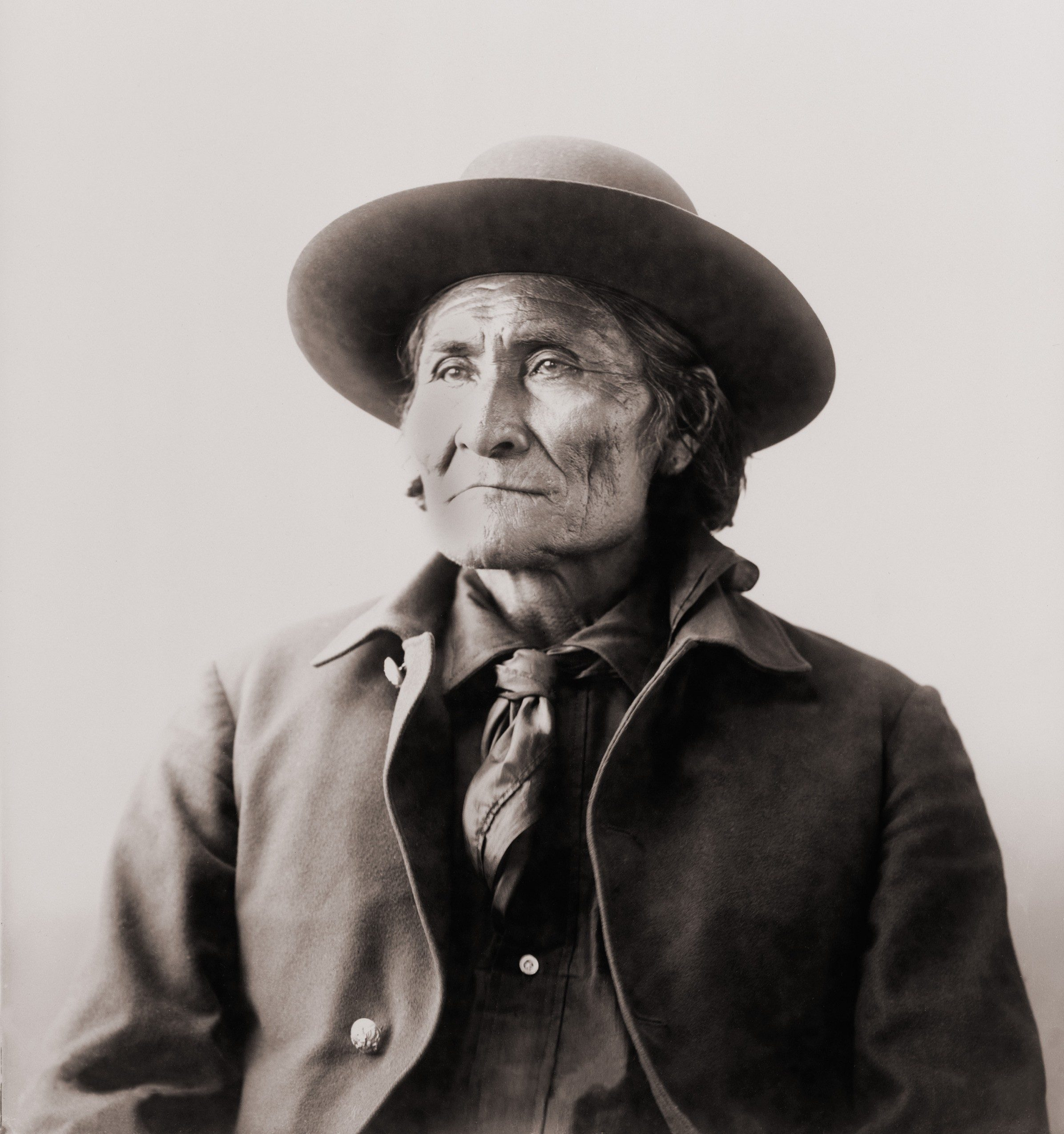 Geronimo (1829-1909), Chiricahua Apache warrior in 1898, when he was held with his family at Fort Sill, Oklahoma.