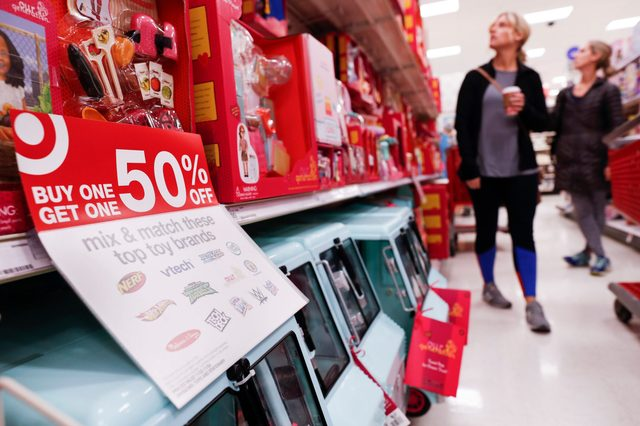target discount holiday shopping