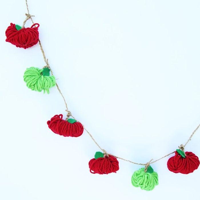 apple yarn Garland