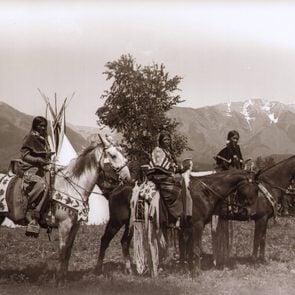 native american women on horses