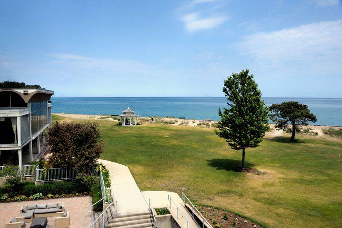 Illinois beach hotel