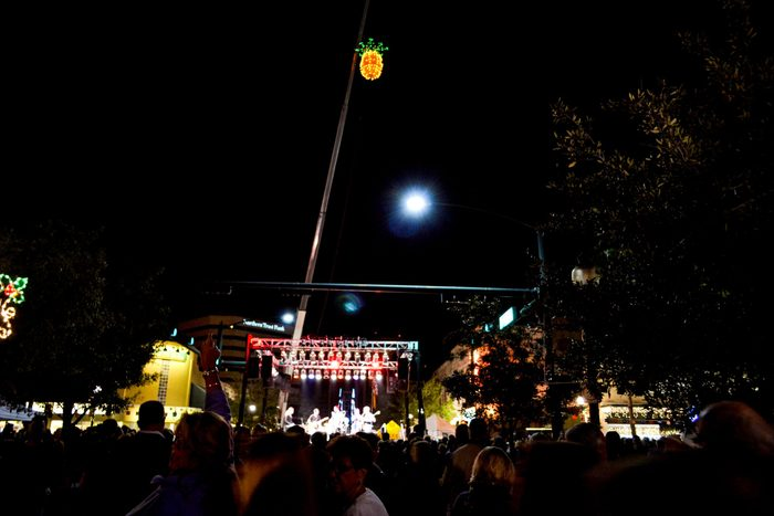 pineapple drop NYE family friendly New Year's sarasota florida