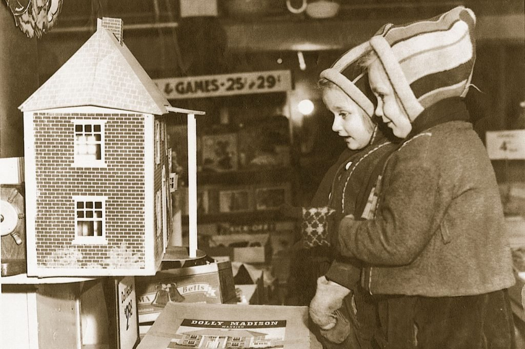 vintage christmas photo shopping