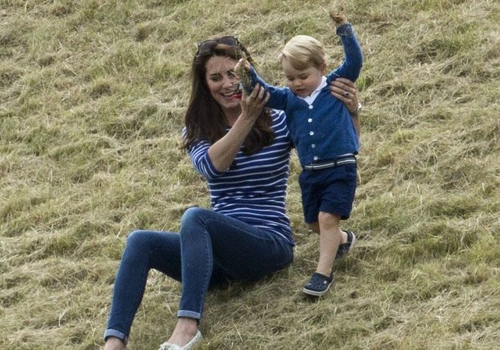 kate middleton playing with prince george