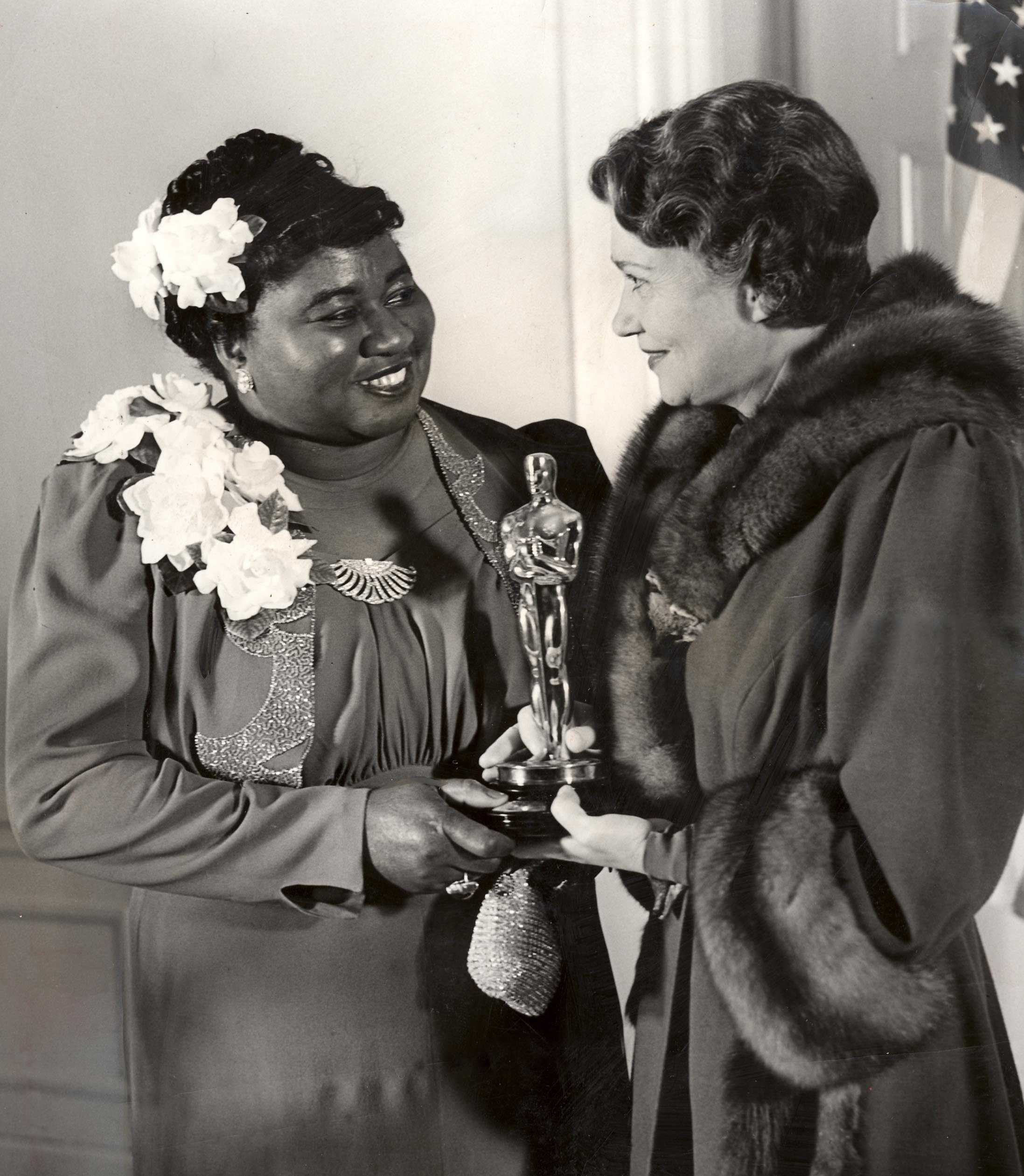 Editorial use only. No book cover usage. Mandatory Credit: Photo by Kobal/Shutterstock (5852349a) Hattie McDaniel, Fay Bainter Oscars / Academy Awards - 1939 Other