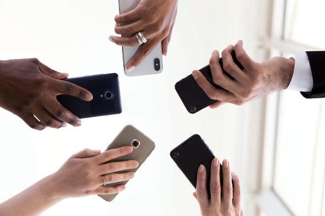phones in a circle