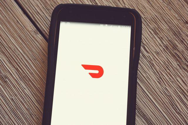 door dash app on phone